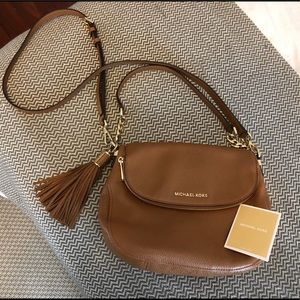 Michael Kors adjustable crossbody bag